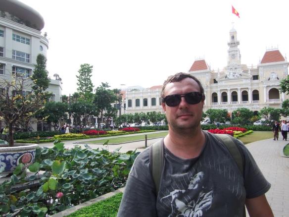 Plaza building